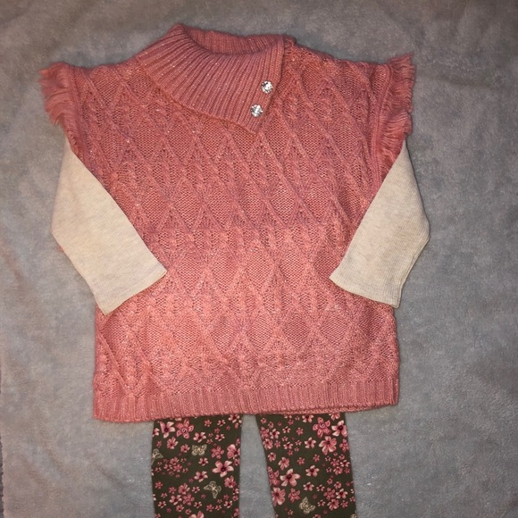 ✨3/$12✨ Never worn toddler outfit